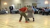 Śmieszny taniec babci i dziadka (240p)